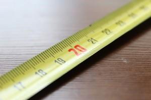 Hány mm-es profilmélységig használhatom a személyautó gumikat?